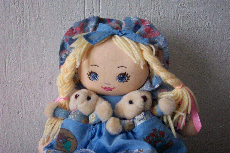 dětská panenka