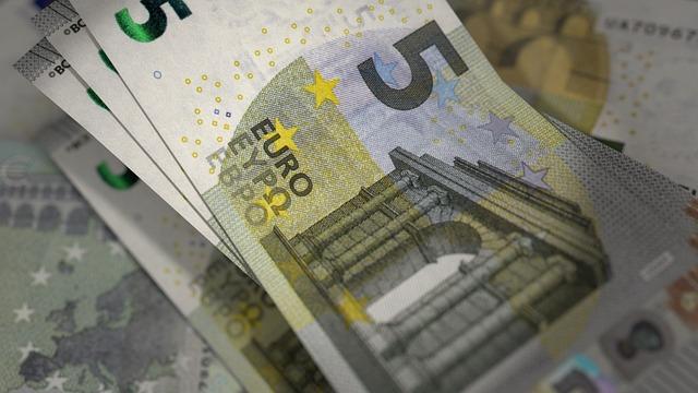 Prázdné kapsy vám naplní praktická půjčka