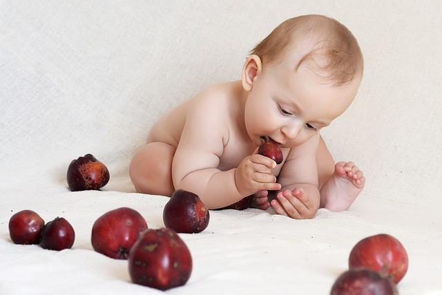 Ovocné příkrmy pro miminko