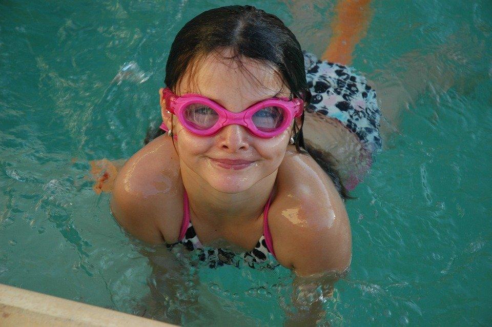 malá plavkyně